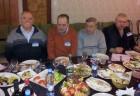 За праздничным столом: Валерий RN3BU, Михаил RA3AGA, Анатолий RZ3ADU и Алексей RA3AKF.