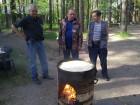 Владимир RK3AGC, Михаил RA3AGA и Владимир RK3AUH в ожидании чуда от наших узбекских коллег.