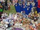 Сувениры на память о фестивале.