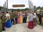 Главные участники фольклорного фестиваля - казачий хор.